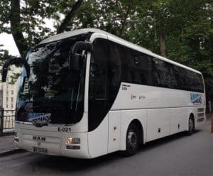 Picture of Havataş airport shuttle bus.