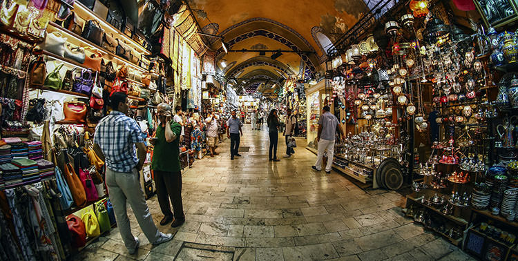 How to Bargain Like a Pro in Istanbul's Grand Bazaar and